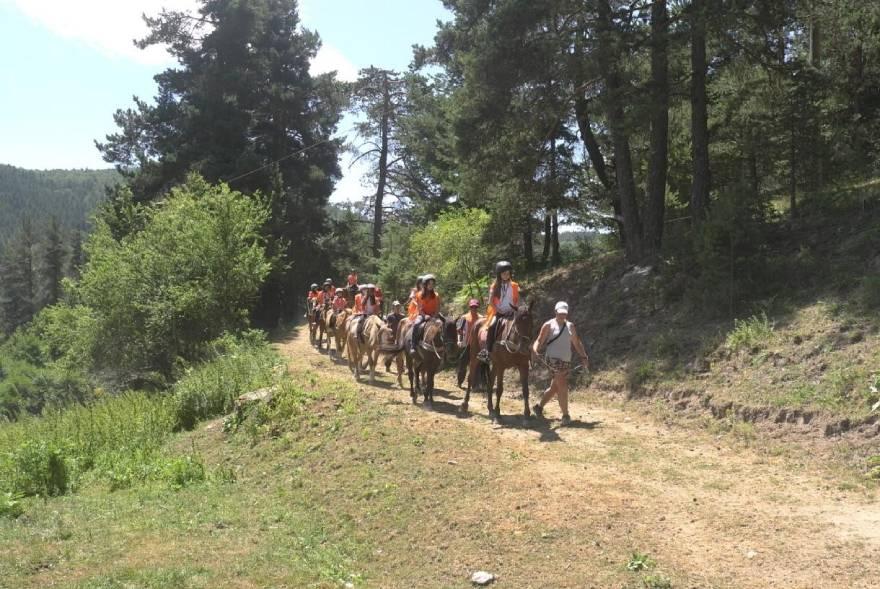 Конна езда в планината