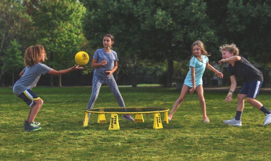 5 вдъхновяващи дейности, с които да насърчите детето си да се забавлява на открито